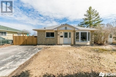 Real Estate Listing   31 BROWNING Trail Barrie